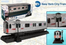 REALTOY RT8555 MTA NEW YORK CITY SUBWAY CAR (6) (DIE CAST)